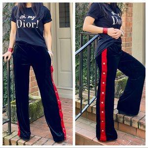 Black wide leg side pockets pant with snap details